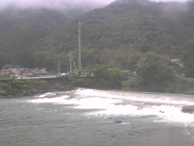 根尾川漁業協同事務所前の堰堤