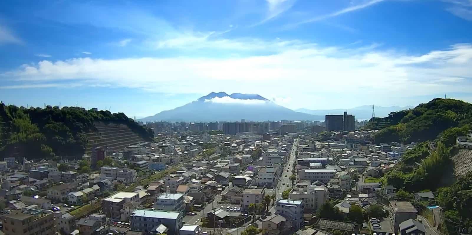 桜島と鹿児島市内
