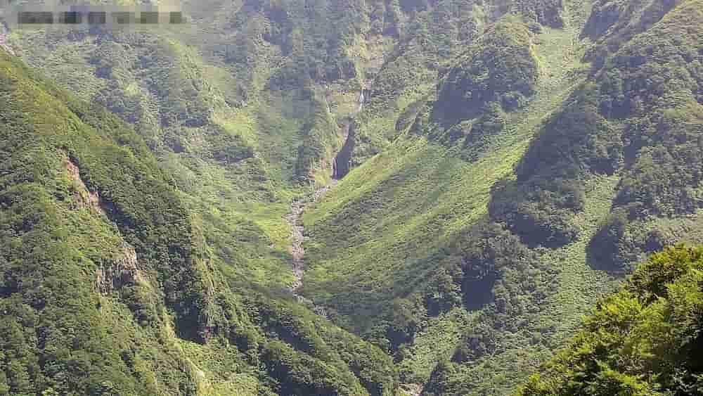 奈曽渓谷-鳥海山