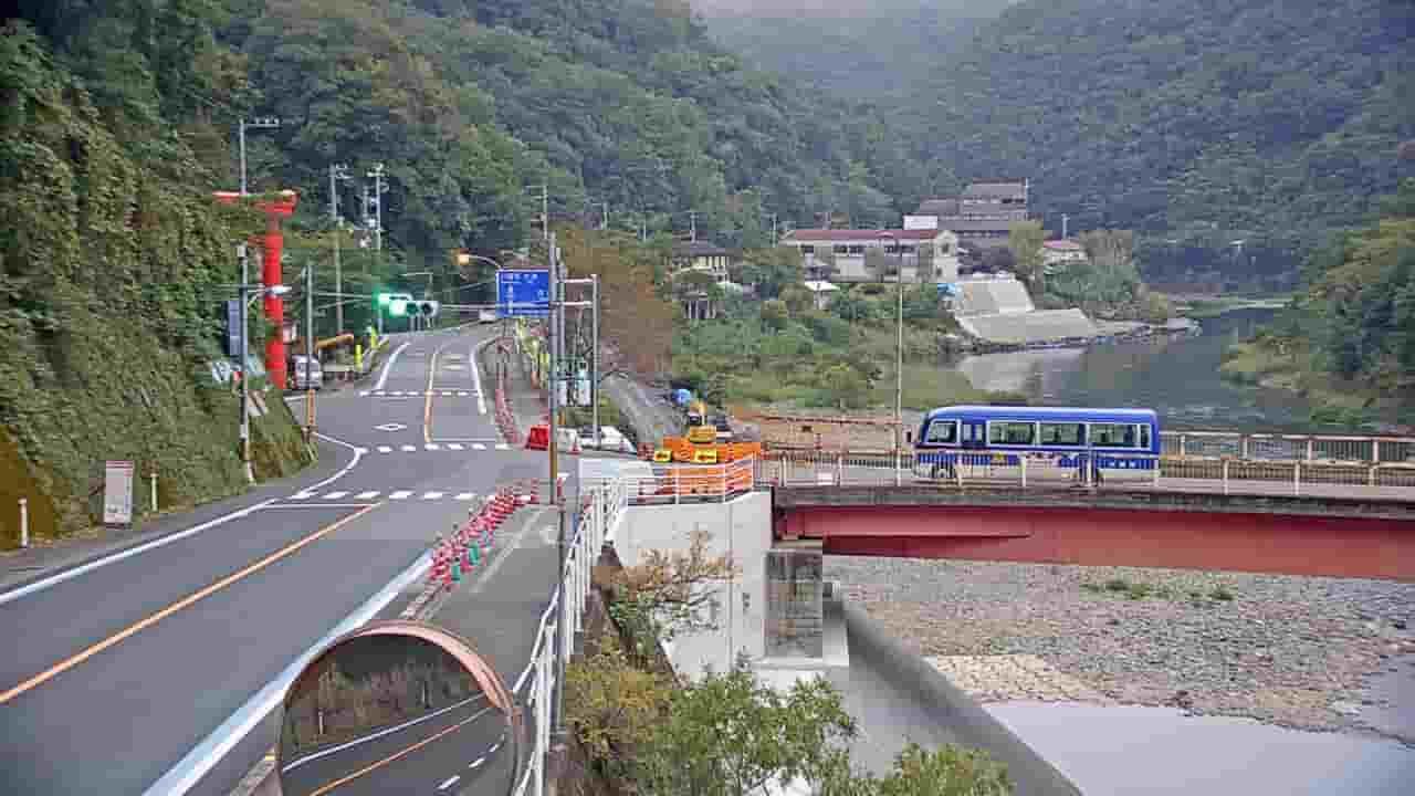 国道197号鹿野川大橋付近